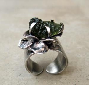 Flower Ring Moldavite Leaves by Silvia Peluso