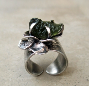 Flower Ring Moldavite Leaves by Silvia Peluso