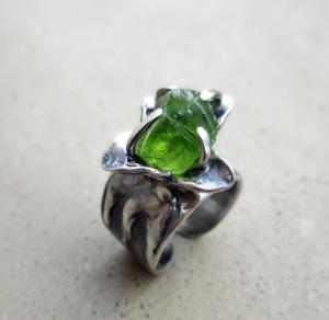 Peridot Flower Ring by Silvia Peluso