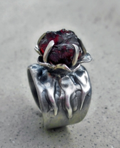 Flower Ring with Spessartite Garnet by Silvia Peluso