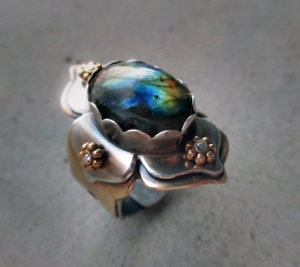 Lotus Ring Labradorite by Silvia Peluso