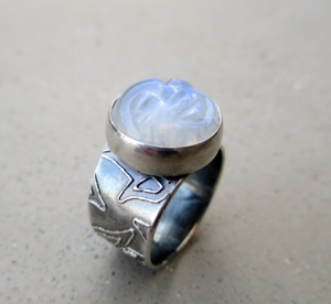 Rainbow Moonstone Face Ring by Silvia Peluso