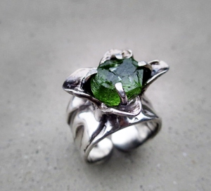 Peridot Flower Ring by Silvia Peluso
